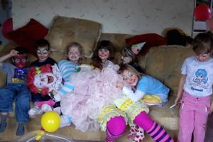 Tickles Clown Birthday Parties Victoria BC Canada, Vancouver BC, Nanaimo BC, Parksville, Ladysmith,